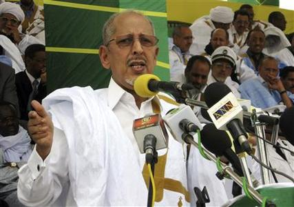 Mauritania's President Sidi Mohamed Ould Cheikh Abdallahi gives a speech in the southern border town of Rosso in this May 6, 2008 file photo. REUTERS/Vincent Fertey/Files
