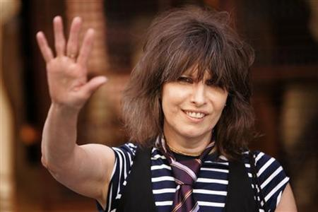 Rock singer Chrissie Hynde arrives at the first ever PETA (People for the Ethical Treatment of Animals) Europe humanitarian awards at the Stella McCartney fashion boutique in London,Britain June 28, 2006. REUTERS/David Moir