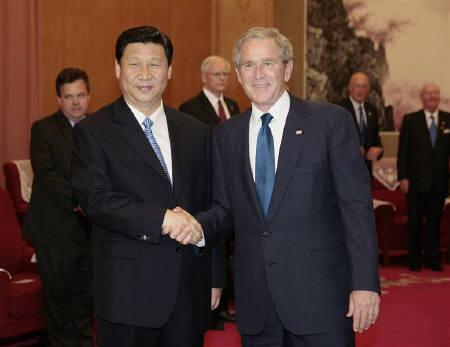 U.S. President George W. Bush (R) meets with China's Vice President Xi Jinping at the Zhongnanhai Compound in Beijing August 10, 2008.   REUTERS/Larry Downing