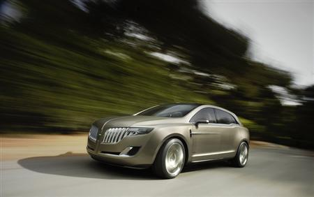 The Lincoln MKT crossover, which is due to go into production next year, in an undated image. REUTERS/Ford Motor/Handout