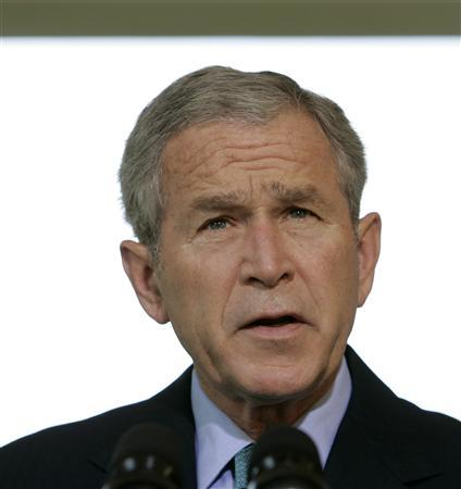 U.S. President George W. Bush speaks about the Georgia/Russia conflict outside the Oval Office at the White House in Washington before departing for his August vacation at his Central Texas ranch, August 15, 2008. REUTERS/Larry Downing