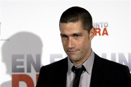 Actor Matthew Fox poses for a picture during the premiere of Pete Travis' movie ''Vantage Point'' in Salamanca, central Spain, February 13, 2008. REUTERS/Andrea Comas