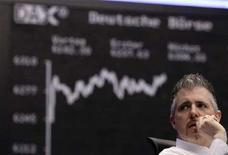 <p>Un trader al lavoro. REUTERS/Kai Pfaffenbach</p>