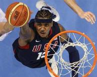 <p>Lo statunitense Carmelo Anthony nella parita di oggi in cui gli Usa hanno battuto la Spagna. REUTERS/Lucy Nicholson</p>