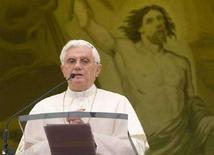 <p>Papa Benedetto XVI in un'immagine di arcivio. Il Pontefice ha condannato le violenze sui cristiani in India. REUTERS/Tony Gentile</p>