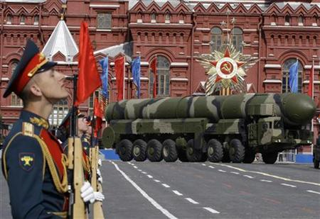 A Topol-M missile launcher drives in the Red Square during the Victory Day military parade in Moscow May 9, 2008. REUTERS/Grigory Dukor