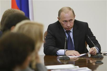 Russia's Prime Minister Vladimir Putin chairs the meeting of his cabinet in Moscow, August 25, 2008. REUTERS/RIA Novosti/Pool/Alexei Nikolsky
