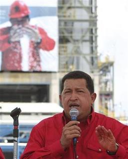 Venezuela's President Hugo Chavez speaks during the opening of a petrochemical complex in Zulia state August 23,2008. Chavez backed Russia's recognition of two breakaway regions of Georgia on Friday, making Venezuela only the second nation to support Moscow's stance. REUTERS/Miraflores/Handout