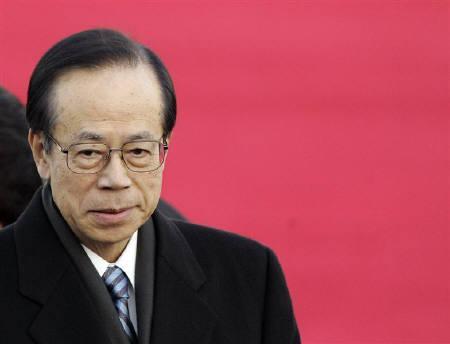8月29日、政府・与党は原材料や食料品の価格高騰など物価高対策を盛り込んだ総合経済対策を決定。写真は福田首相。2月撮影(2008年 ロイター/Lee Jae-Won)