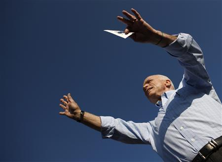 Republican presidential candidate Senator John McCain campaigns in Washington, Pennsylvania August 30, 2008. REUTERS/John Gress