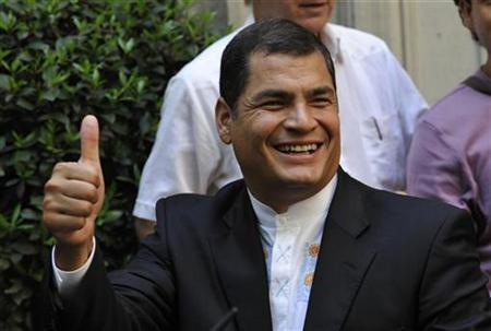 Ecuador's President Rafael Correa leaves a meeting in Paris May 14, 2008. REUTERS/Philippe Wojazer