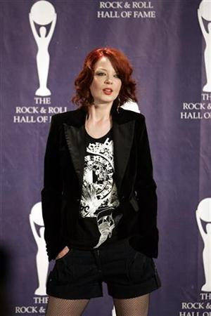 Shirley Manson poses backstage at the Rock and Roll Hall of Fame induction ceremony at the Waldorf Astoria Hotel in New York March 13, 2006. REUTERS/Brendan McDermid