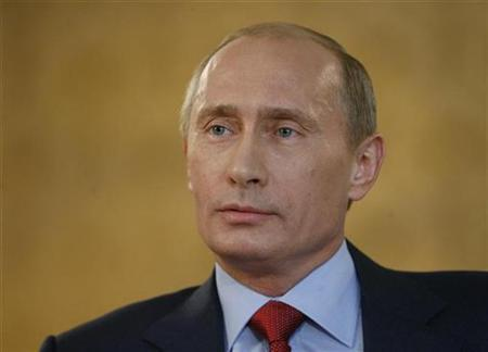 Russia's Prime Minister Vladimir Putin speaks during an interview with CNN in the Black Sea resort Sochi, August 28, 2008. REUTERS/RIA Novosti/Pool