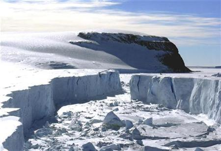 A view of the remaining part of the Larsen B ice shelf that extends into the northwest part of the Weddell Sea is seen in this handout photo taken on March 4, 2008. REUTERS/Pedro Skvarca/IAA-DNA/Handout