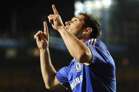 Chelsea's Frank Lampard celebrates after scoring against Bordeaux during their Champions League Group A match at Stamford Bridge in London September 16, 2008. REUTERS/Dylan Martinez