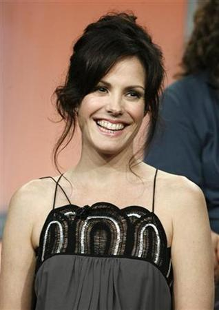 Mary-Louise Parker, star of the Showtime networks series ''Weeds,'' takes part in a panel discussion at the Showtime 2008 summer press tour in Beverly Hills, California, July 18, 2008. REUTERS/Fred Prouser