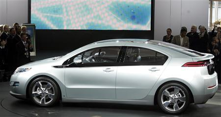 The Chevrolet Volt is introduced at a General Motors centennial celebration at the GM world headquarters in Detroit, Michigan September 16, 2008. REUTERS/Rebecca Cook