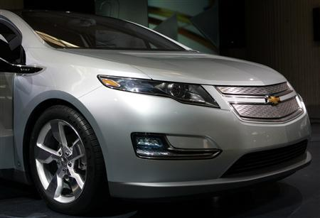 The Chevrolet Volt is displayed at General Motors' World Headquarters in Detroit, Michigan September 16, 2008. REUTERS/Rebecca Cook