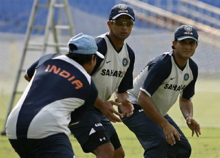 Sachin Tendulkar (L), Rahul Dravid (C) and Saurav Ganguly train before the India-Bangladesh series in Kolkata in this May 2, 2007 file photo. REUTERS/Parth Sanyal/Files