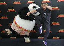 "<p>U.S. actor Jack Black poses during a photocall to promote his animated film ""Kung Fu Panda"" in Madrid June 24, 2008. REUTERS/Susana Vera</p>"