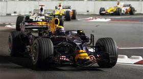 <p>O piloto de Fórmula 1, Mark Webber, da Austrália participa da prova de qualificação para o Grande Prêmio de Cingapura em 27 de setembro. REUTERS/Tim Wimborne</p>