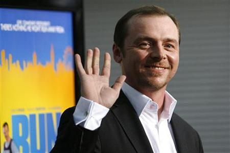 Simon Pegg waves at the premiere of ''Run, Fatboy, Run'' at the Arclight theatre in Los Angeles March 24, 2008. REUTERS/Mario Anzuoni