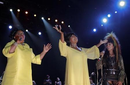 Patti LaBelle (C) is joined by original members of LaBelle, Sarah Dash (L) and Nona Hendryx (R) during a tribute to LaBelle at the Essence Music Festival in New Orleans, Louisiana in this file photo from July 5, 2008. REUTERS/Lee Celano