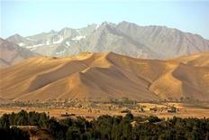 <p>Cresta dell'Himalaya vista dalla valle del Bamian, Afghanistan centrale. REUTERS/Desmond Boylan</p>
