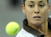 <p>Una immagine della tennista italiana Flavia Pennetta. REUTERS/Arnd Wiegmann (SWITZERLAND)</p>