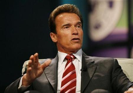 California Governor Arnold Schwarzenegger takes part in a conversation on leadership and the economy at The Women's Conference 2008 in Long Beach, California October 22, 2008. REUTERS/Mario Anzuoni