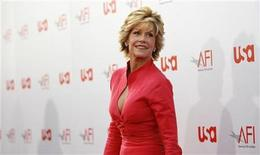 <p>Actress Jane Fonda arrives for the taping of the American Film Institute's 36th Life Achievement Award gala honoring Warren Beatty at the Kodak Theatre in Hollywood, California June 12, 2008. REUTERS/Mario Anzuoni</p>