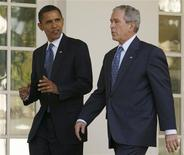 <p>President George W. Bush walks with President-elect Barack Obama at the White House in Washington November 10, 2008. REUTERS/Kevin Lamarque</p>
