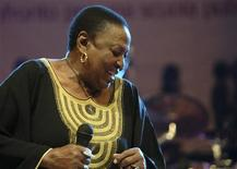 <p>South African singer Miriam Makeba performs during a concert in Castel Volturno, south of Italy, November 9, 2008. REUTERS/AGN</p>