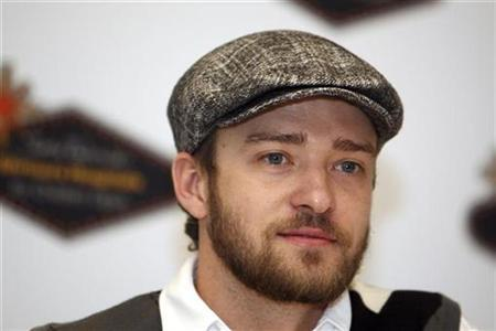 Justin Timberlake poses for a photo during a news conference at TPC Summerlin in Las Vegas, Nevada, October 15, 2008. REUTERS/Las Vegas Sun/Steve Marcus
