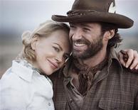 """<p>Os atores Nicole Kidman e Hugh Jackman (dir) são vistos em cena do filme """"Austrália"""", do diretor Baz Luhrmann, em foto de divulgada no dia 11 de novembro. Com paisagens estonteantes, cenas de amor sensuais e um adorável ator mirim aborígine, o épico """"Austrália"""" vem recebendo críticas em sua maioria positivas após sua estréia internacional, mas não satisfez todas as grandes expectativas que criou. REUTERS/20th Century Fox/Handout (UNITED STATES) QUALITY FROM SOURCE. NO SALES. NO ARCHIVES. FOR EDITORIAL USE ONLY. NOT FOR SALE FOR MARKETING OR ADVERTISING CAMPAIGNS. (Newscom TagID: rtrphotosthree787308) [Photo via Newscom]</p>"""