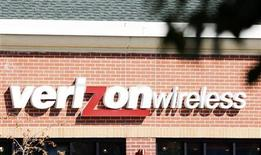 <p>Il logo di Verizon Wireless. REUTERS/Rick Wilking (UNITED STATES)</p>