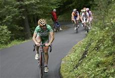<p>Il ciclista Emanuele Sella. REUTERS/Alessandro Trovati/Pool (ITALY)</p>