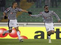 <p>Jogadores do Udinese comemoram gol contra o Dinamo Zagreb. REUTERS/Daniel Raunig (ITALY)</p>