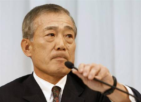 12月5日、ホンダが事業環境の急激な悪化を受けてF1撤退。写真は記者会見をする福井社長(2008年 ロイター/Toru Hanai)
