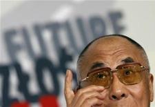 <p>Il leader spirituale tibetano Dalai Lama a Gdansk. REUTERS/Kacper Pempel</p>