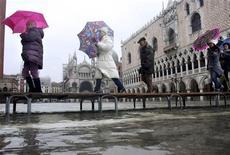 <p>Acqua alta a Venezia. REUTERS/Manuel Silvestri</p>