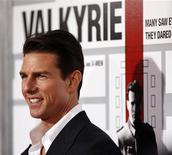 """<p>Tom Cruise posa alla prima del film """"Valkyrie"""" a Los Angeles. REUTERS/Mario Anzuoni</p>"""