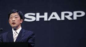 <p>Mikio Katayama, patron de Sharp Corporation. Le groupe japonais d'électronique grand public va comptabiliser sur le trimestre qui s'achève une perte exceptionnelle de 43,2 milliards de yens (336 millions d'euros) imputable en grande partie à la dépréciation de sa participation dans Pioneer. /Photo prise le 26 février 2008/REUTERS/Yuriko Nakao</p>