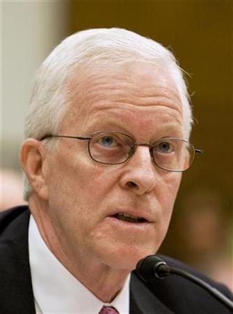 Former AIG CEO Robert Willumstad testifies at the U.S. House Oversight and Government Reform Committee hearing on the cause and effects of the AIG bailout on Capitol Hill, October 7, 2008. REUTERS/Larry Downing