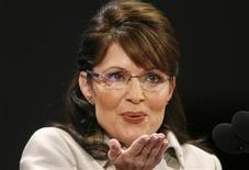 <p>Se eles tivessem de viver ao lado de uma celebridade, os norte-americanos gostariam de ser vizinhos da governadora do Alaska, Sarah Palin, e da apresentadora Oprah Winfrey. REUTERS/ Damir Sagolj</p>