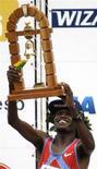 <p>O queniano James Kipsang venceu a prova masculina da São Silvestre nesta quarta-feira e deu ao Quênia a hegemonia na prova de rua paulistana. Agora o país africano tem 11 vitórias contra 10 dos brasileiros. REUTERS/Paulo Whitaker</p>