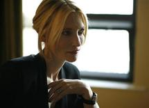 <p>Australian actress Cate Blanchett poses for a portrait in Beverly Hills, California December 7, 2008. REUTERS/Mario Anzuoni</p>