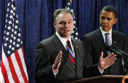 Virginia Governor Tim Kaine (L) delivers remarks after being announced as the new Democratic National Committee chairman by U.S. President-elect Barack Obama in Washington, January 8, 2009. REUTERS/Jim Young