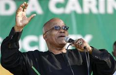 <p>Jacob Zuma, president of the ruling African National Congress (ANC), sings at a rally in Langa township near Cape Town November 9, 2008. Zuma was campaigning in the province ahead of next year's general elections. REUTERS/Mike Hutchings (SOUTH AFRICA)</p>