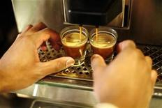 <p>A barista makes espresso during training at Starbucks in New York, February 26, 2008. REUTERS/Keith Bedford/Handout</p>